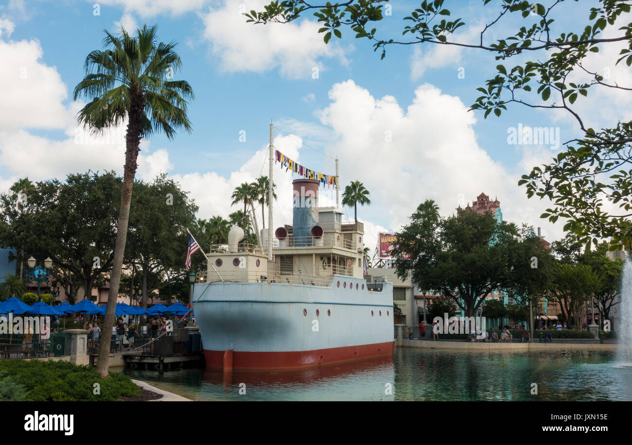 Man and Bills Dockside Diner on Echo Lake, Hollywood Studios, Walt Disney World, Orlando, Florida. - Stock Image