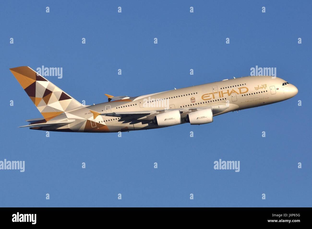 ETIHAD AIRWAYS AIRBUS A380-800 A6-APB - Stock Image