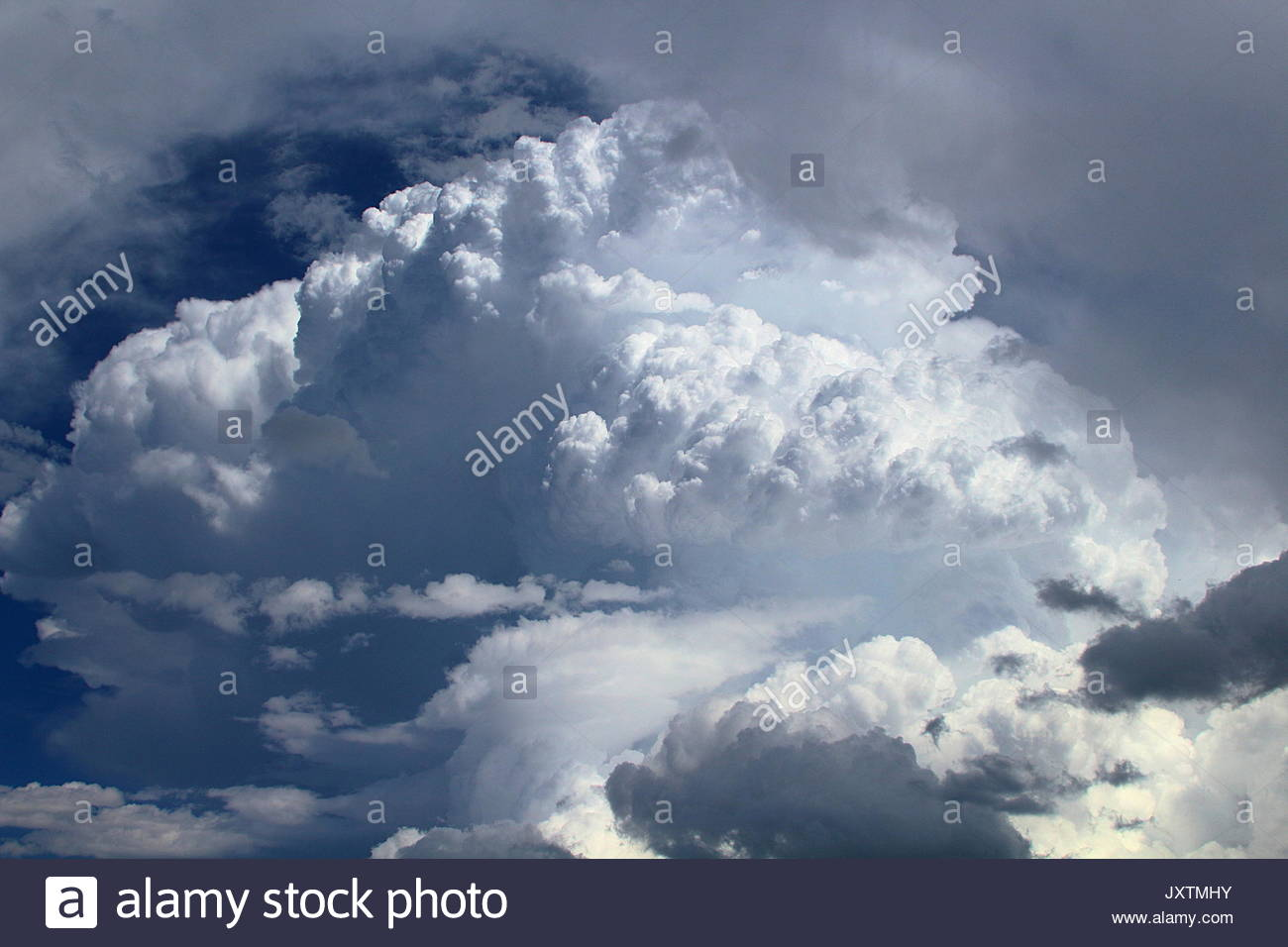 Large New Mexico thunderstorm over Sangre de Cristo mountains - Stock Image