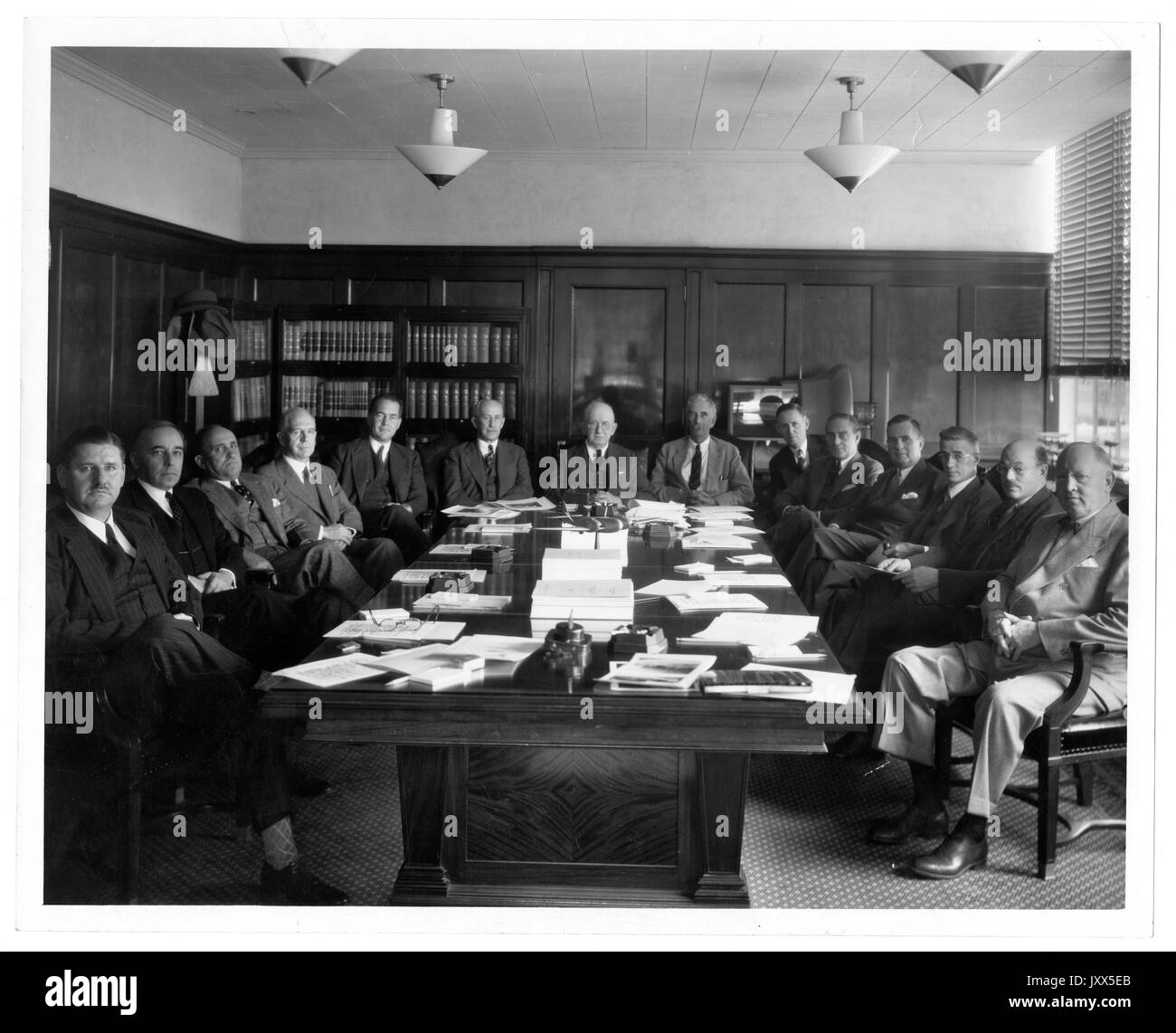 Joseph Sweetman Ames, National Advisory Committee for Aeronautics, Orville Wright, Vannevar Bush, National Advisory Committee for Aeronautics at table with Ames at head, Orville Wright sixth from left, Vannevar Bush third from right, 1938. - Stock Image