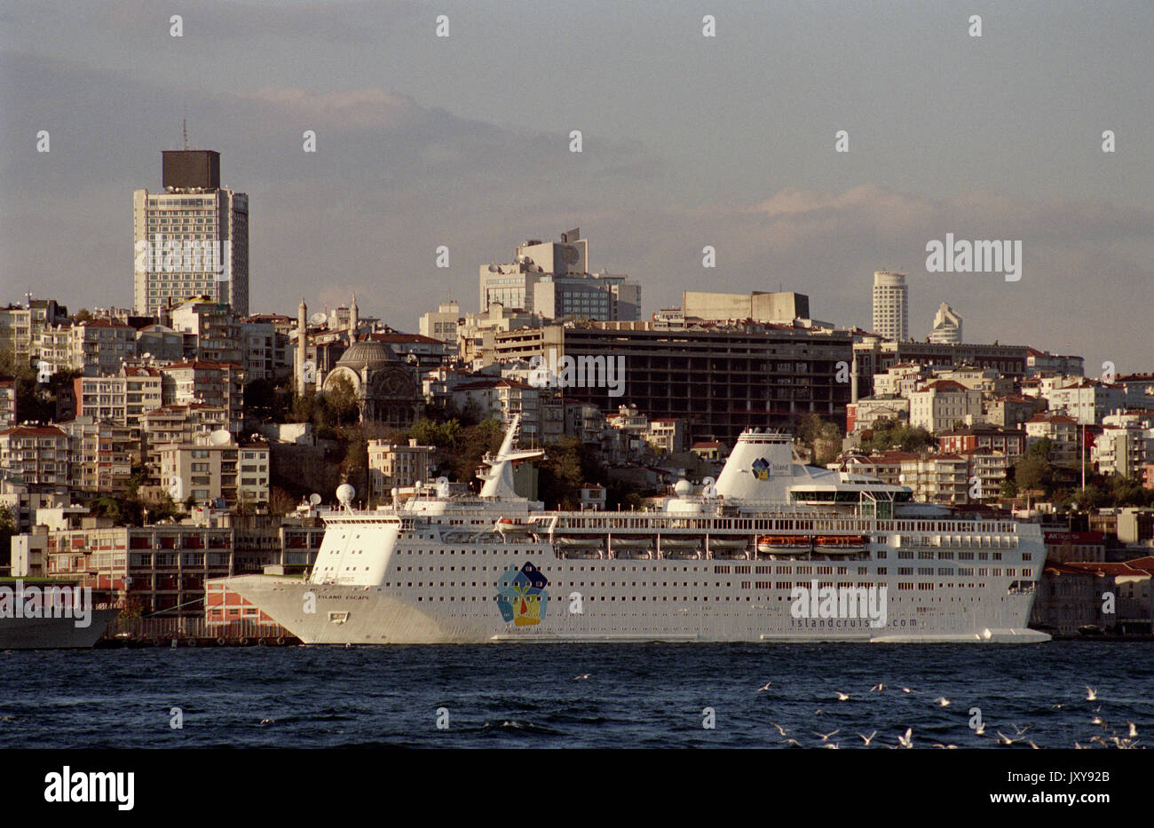 ISTANBUL TURQUIE - ISLAND ESCAPE CRUISER LINER 185 M LONG LARGEST FERRY IN 1982 IN  CITY HARBOUR - ISTANBUL HARBOR - SIVER FILM ©  Frédéric BEAUMONT - Stock Image