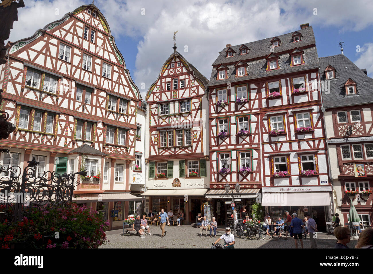 frame houses at the market square, Bernkastel-Kues, Moselle, Germany - Stock Image