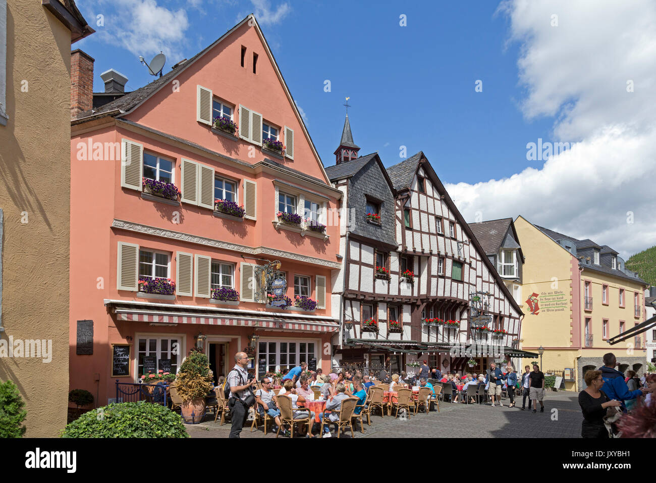 Inn Alter Klosterhof, old town, Bernkastel-Kues, Moselle Valley, Germany - Stock Image
