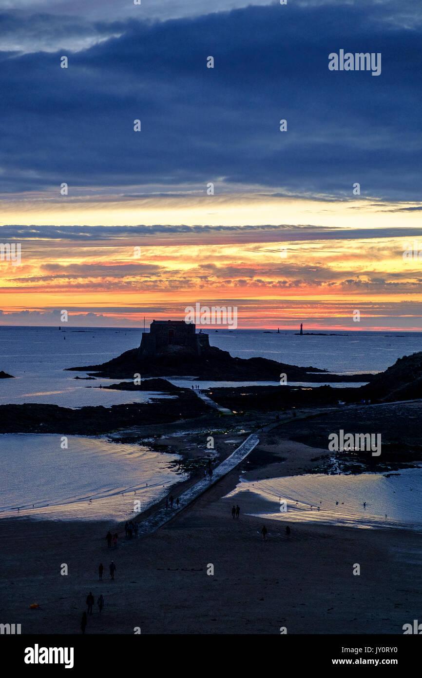 sunset st malo - Stock Image