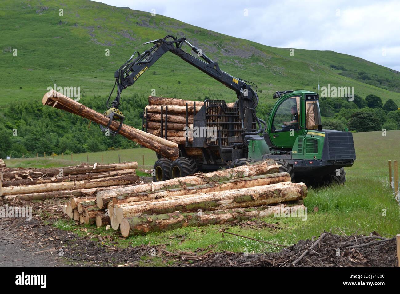 John Deere 1210E log handler Stock Photo