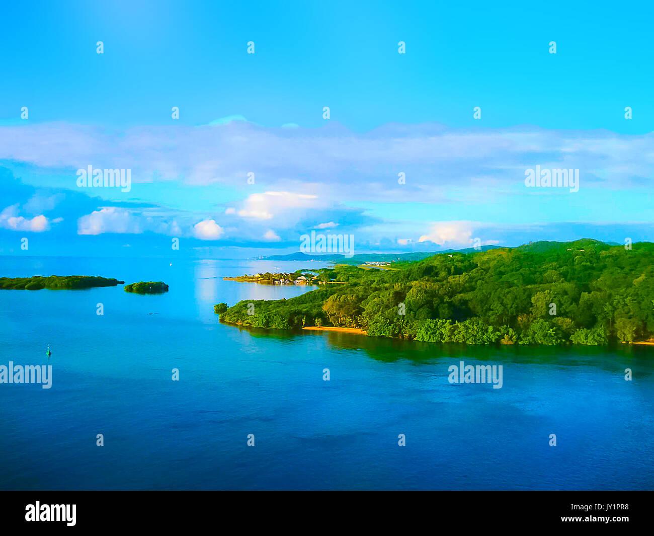 An aerial view of a tropical beach in Roatan Honduras - Stock Image
