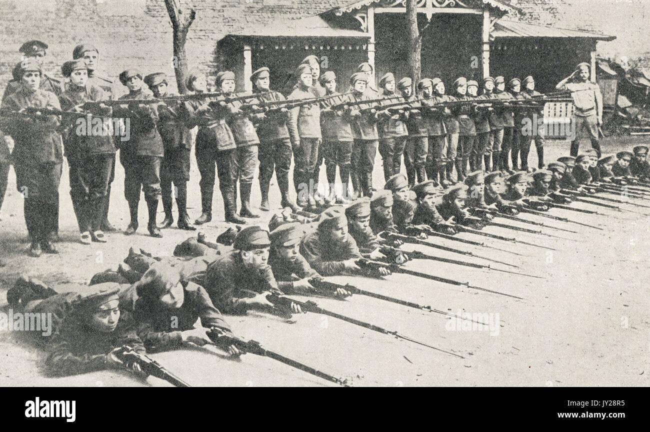 Russian Women's battalion squad, WW1 - Stock Image