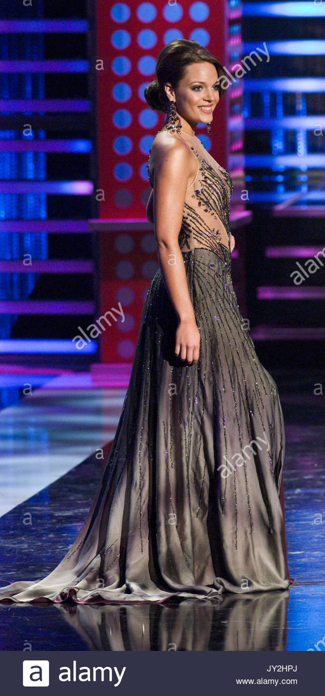Sequined Gowns Stock Photos & Sequined Gowns Stock Images - Alamy