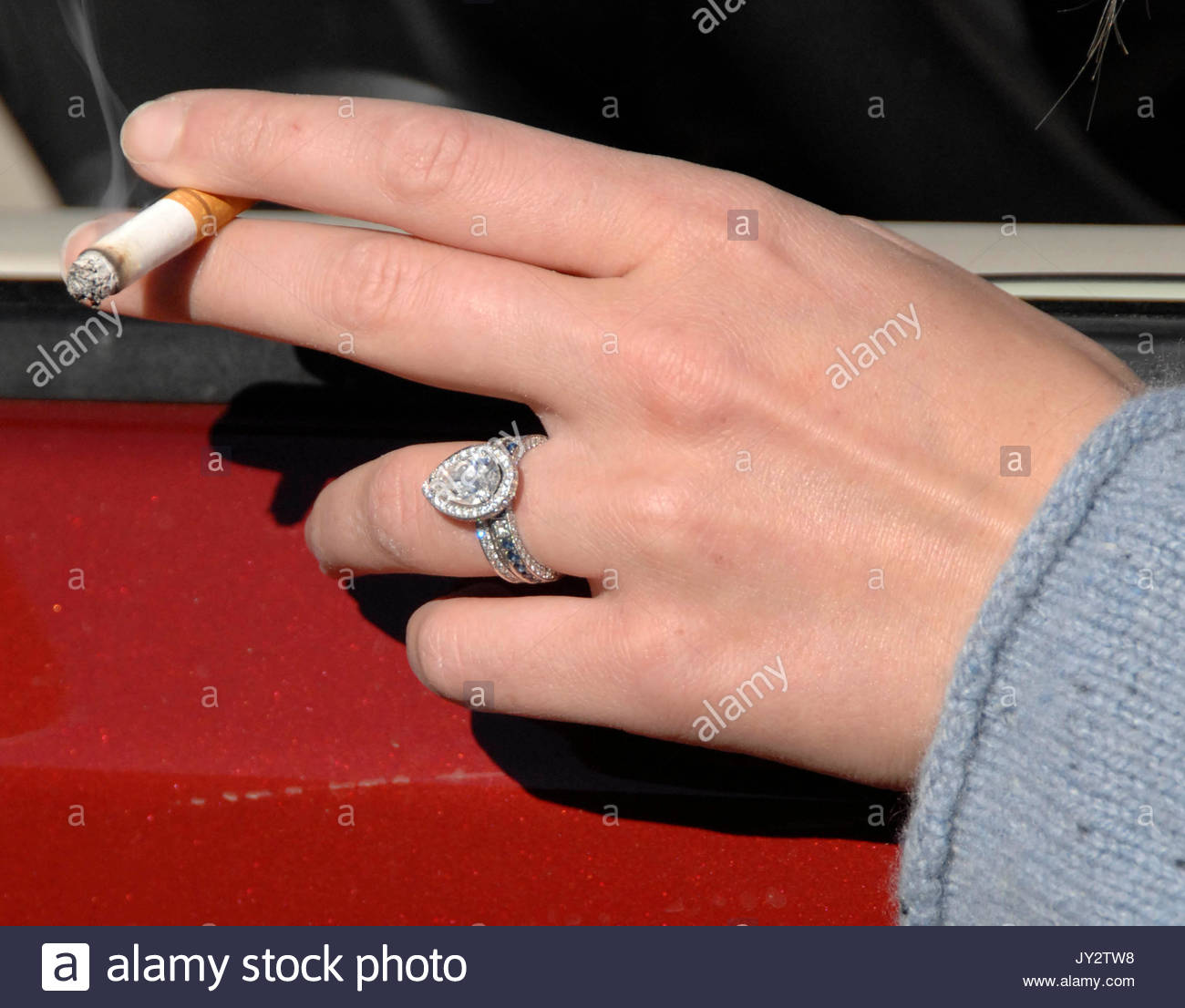 Katherine Heigls wedding ring Actress Katherine Heigl and husband
