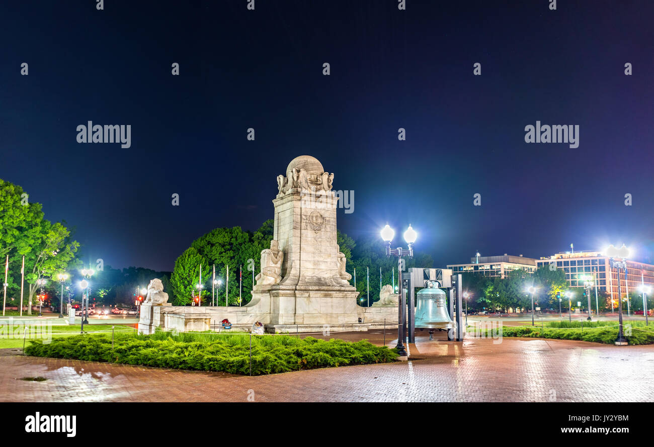 Columbus Fountain in front of Union Station in Washington DC at night. - Stock Image