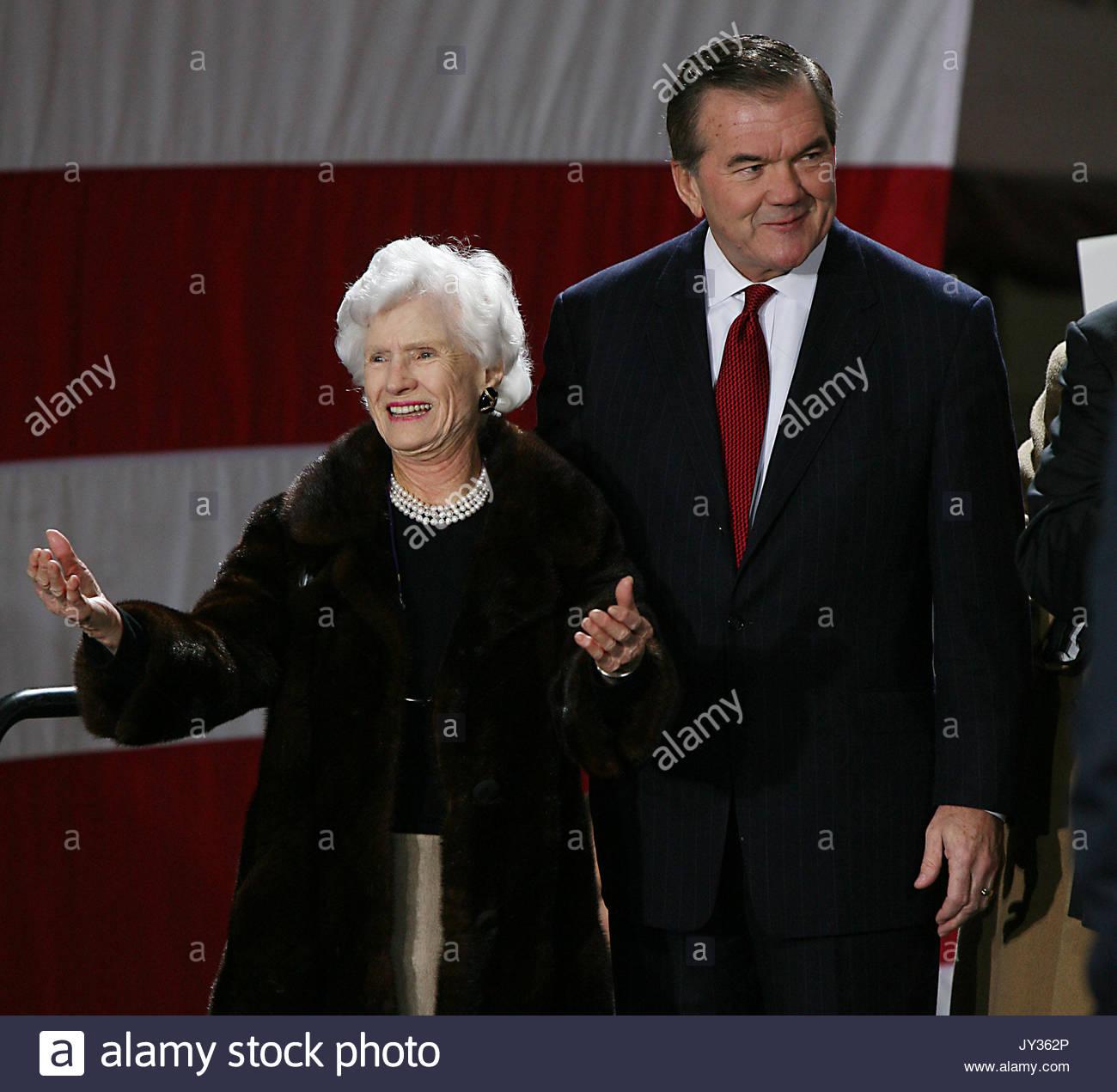Roberta Mccain: Tom Ridge And Roberta McCain At A Rally In Rockefeller