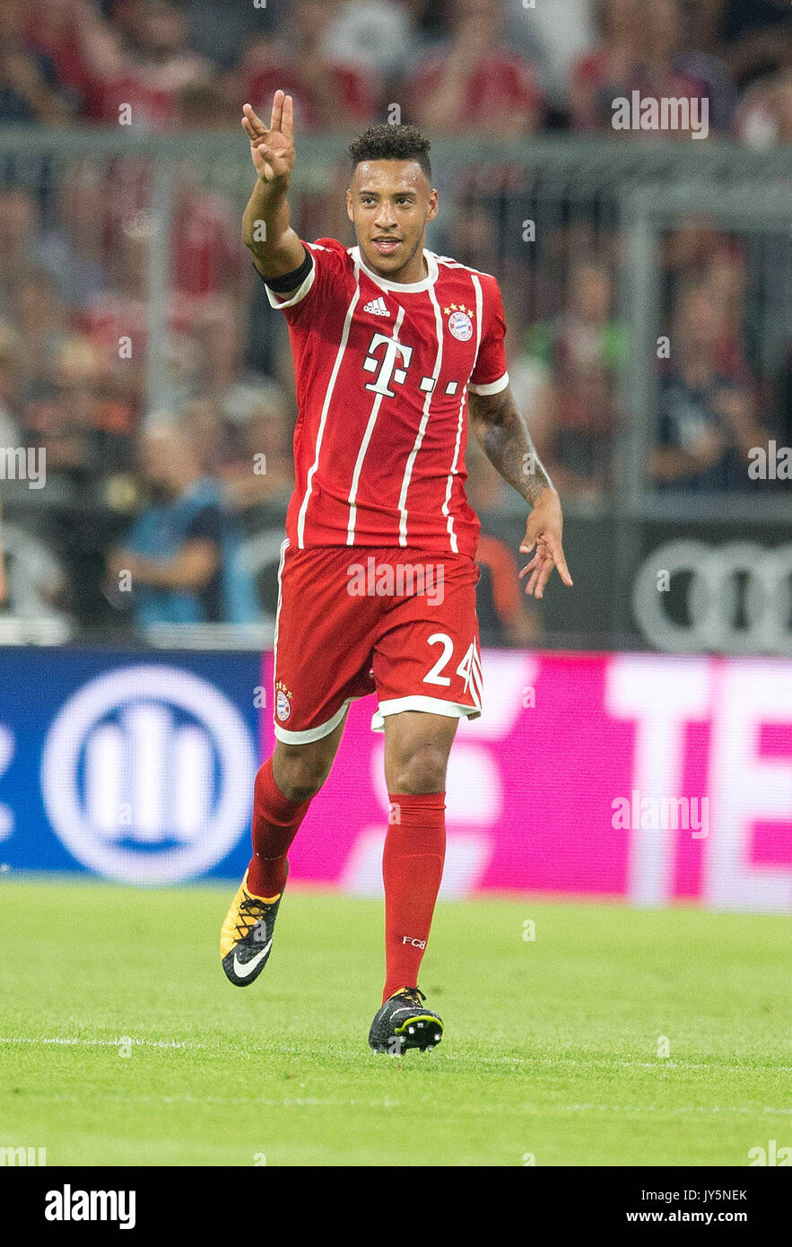 Deutschland. 18th Aug, 2017. Torjubel zum 2-0 durch Torschuetze Corentin TOLISSO (FC Bayern) GES/ Fussball/ 1. Bundesliga: FC Bayern Munich - Bayer 04 Leverkusen, 18.08.2017 -- Football/ Soccer 1st. German Bundesliga Division: Bavaria Munich vs Bayer 04 Leverkusen, Munich, August 18, 2017 | Verwendung weltweit Credit: dpa/Alamy Live News - Stock Image