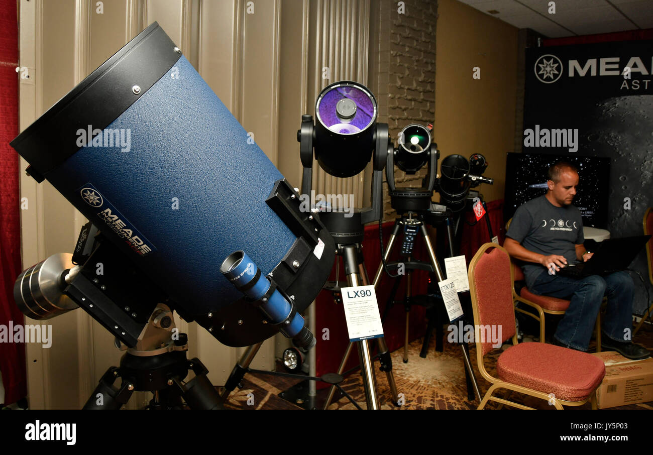 Meade telescopes company shows off there high tech scopes