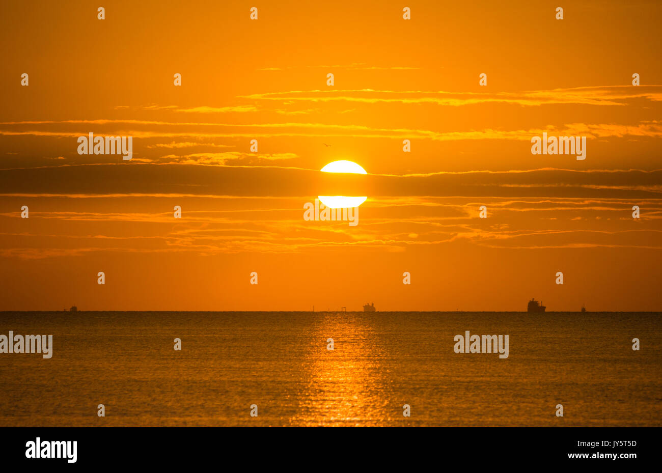 Seaton Carew, county Durham, England, UK. 19th Aug, 2017. UK. Weather: A glorious Saturday morning on the north Stock Photo