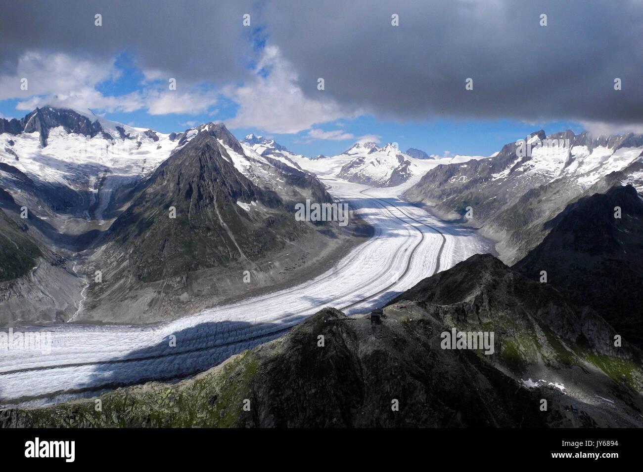 Luftbild Aletschgletscher *** Local Caption *** Olmenhorn, Ice, Alps, Berne, Aletschgletscher, Aletsch, Switzerland, Aerial View, aerial photography,  - Stock Image