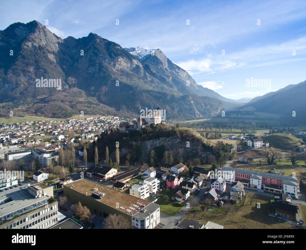 Luftaufnahme der Burg Gutenberg bei Balzers im Fürstentum Liechtenstein *** Local Caption *** Castle Gutenberg, Stock Photo