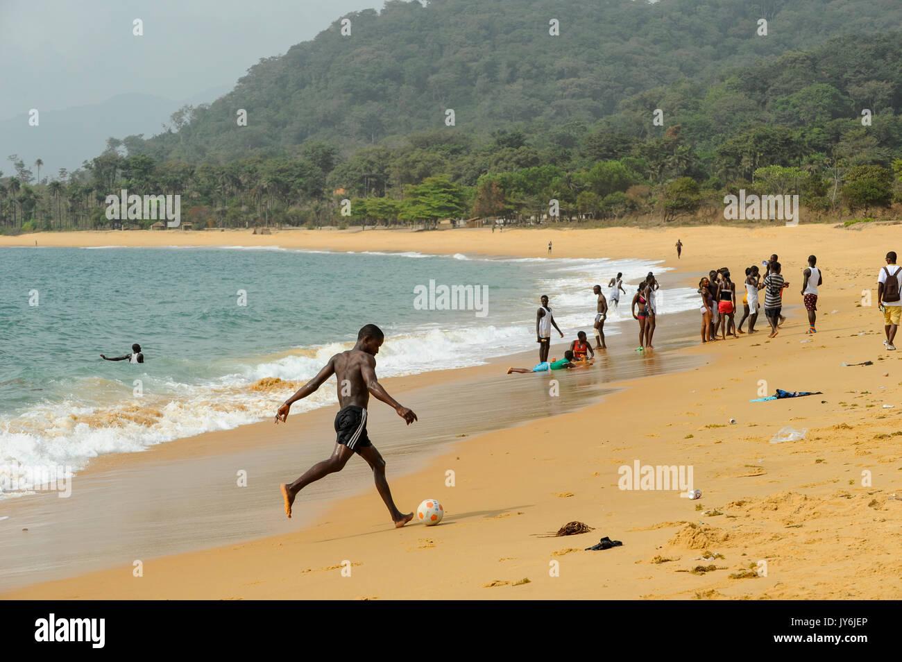 SIERRA LEONE Kent, beach at atlantic ocean / SIERRA LEONE Kent, Strand am atlantischen Ozean - Stock Image