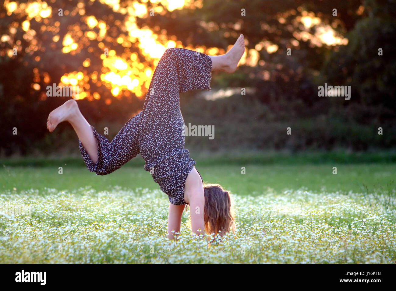 Young Girls Handstand Flash - Adult Gallery-3940
