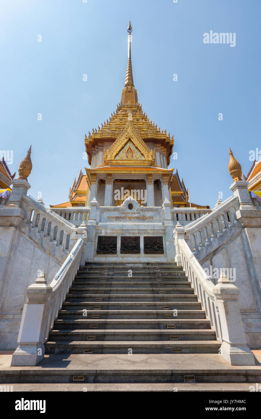 Temple of the Golden Buddha or Wat Traimit in Chinatown, Bangkok, Thailand - Stock Image