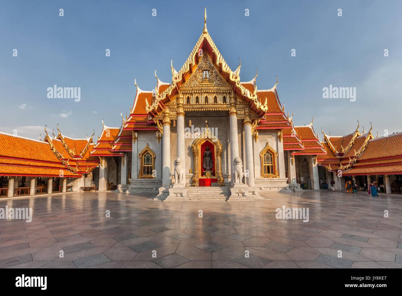 The Marble Temple at sunset, Bangkok, Thailand Stock Photo