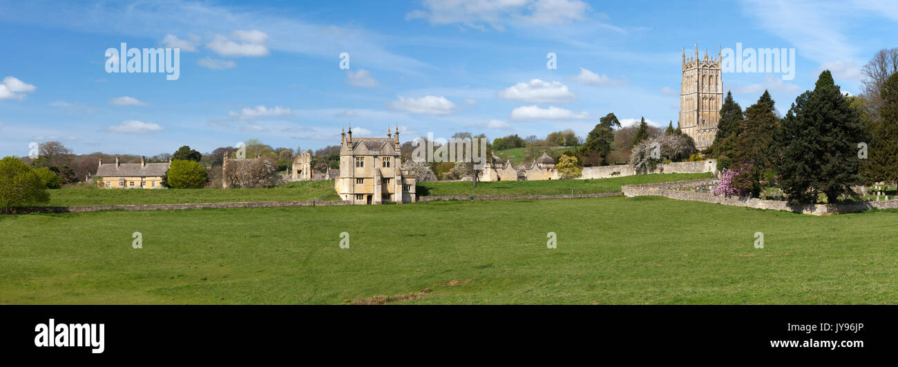 A panoramic view across pastureland of some of the historic buildings of Chipping Campden in spring, Cotswolds, Gloucestershire, England. - Stock Image