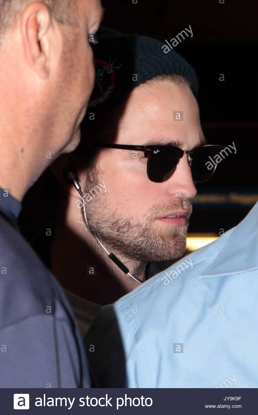 0222446023 Ray Ban Wayfarer Robert Pattinson « One More Soul