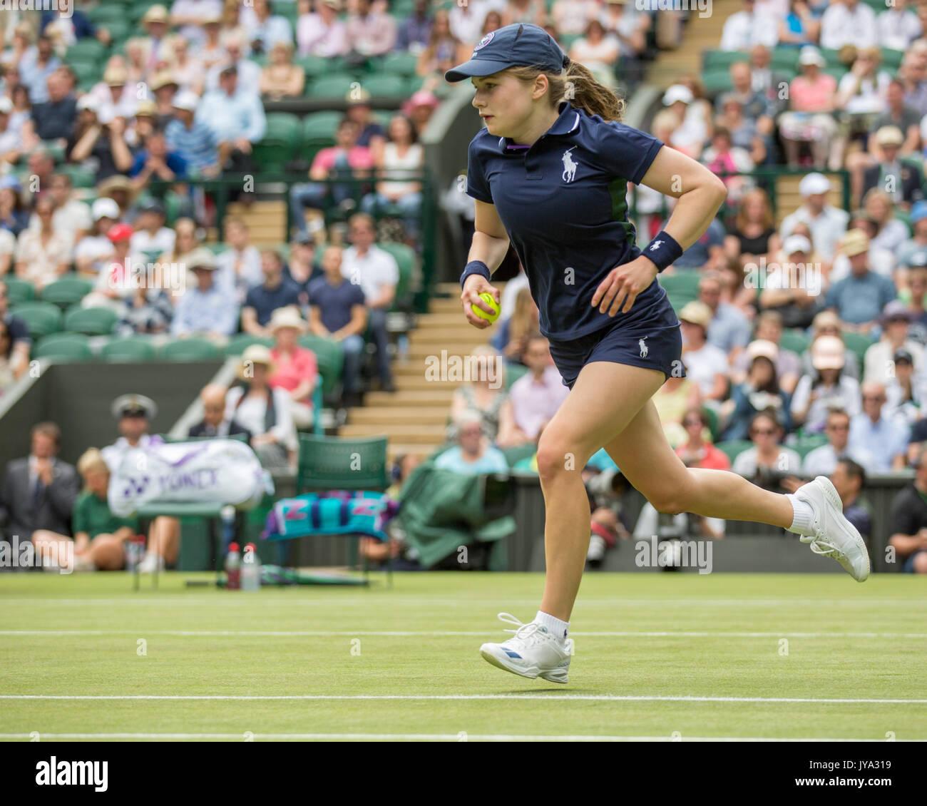 2017 Wimbledon Finals Brackets Back To The Future: Ball Girl Wimbledon Tennis Championships Stock Photos