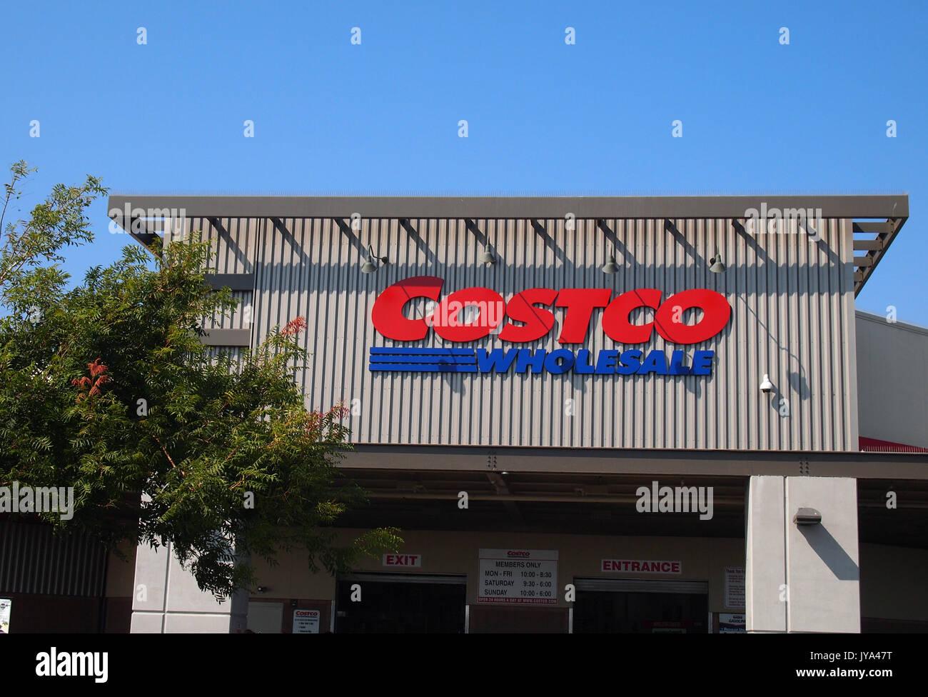 Costco wholesale store, Hayward, California - Stock Image