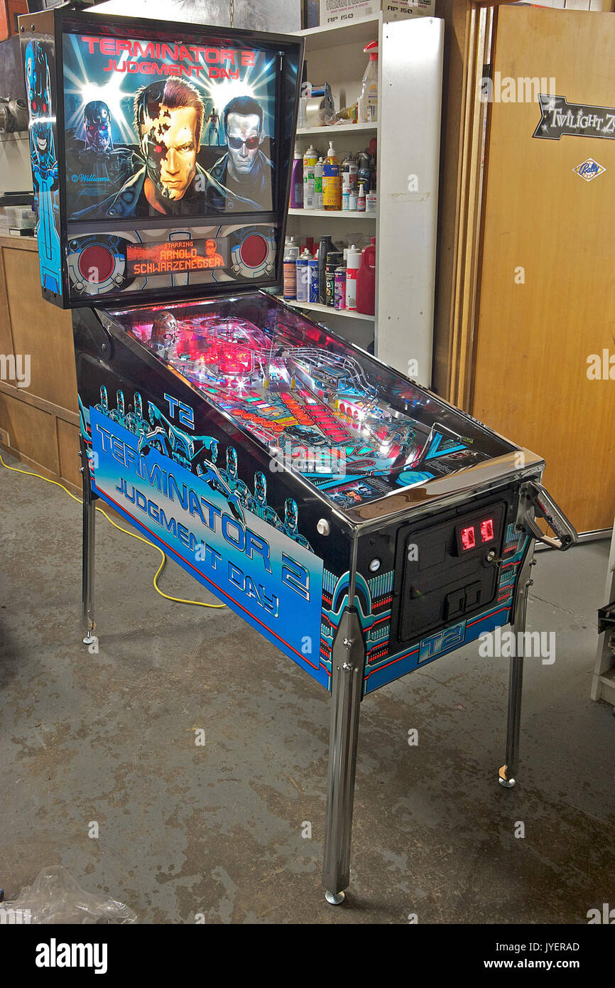 Old Pinball Machine Machine Stock Photos Amp Old Pinball
