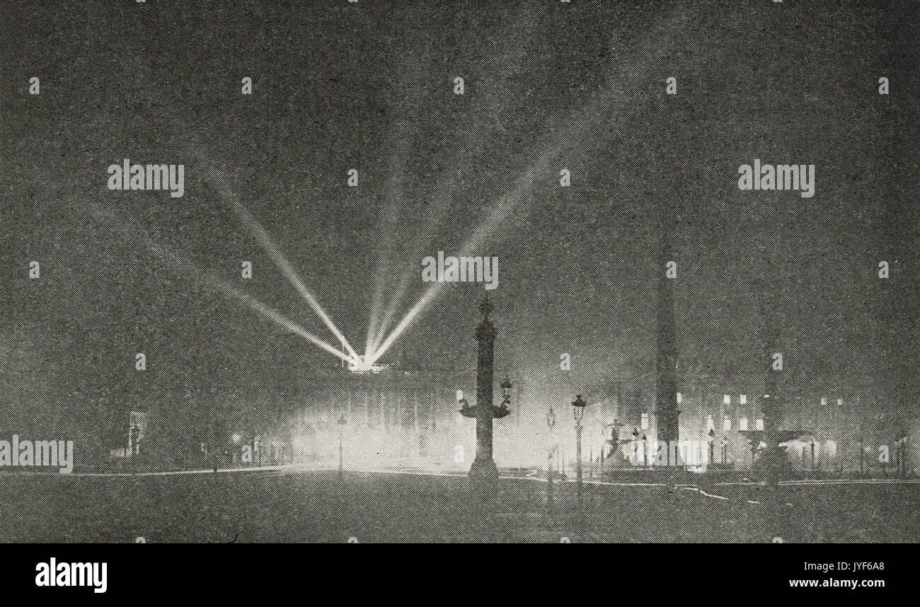 Night time air raid on Paris during WW1 - Stock Image