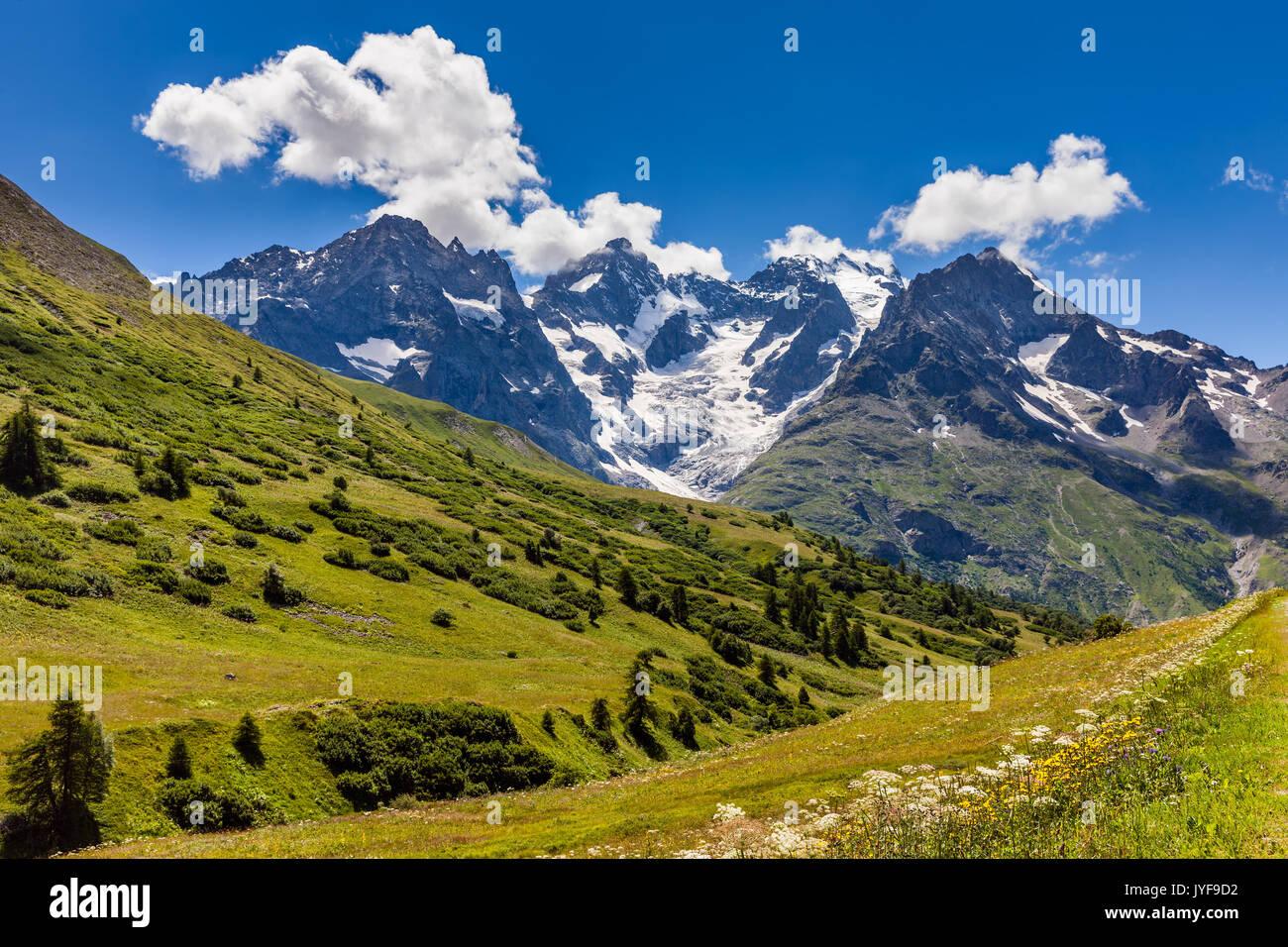 Ecrins National Parc mountain peaks and glaciers in summer. Glacier du Lautaret and Glacier de l'Homme. La Meije, Southern French Alps, Hautes-Alpes.  - Stock Image