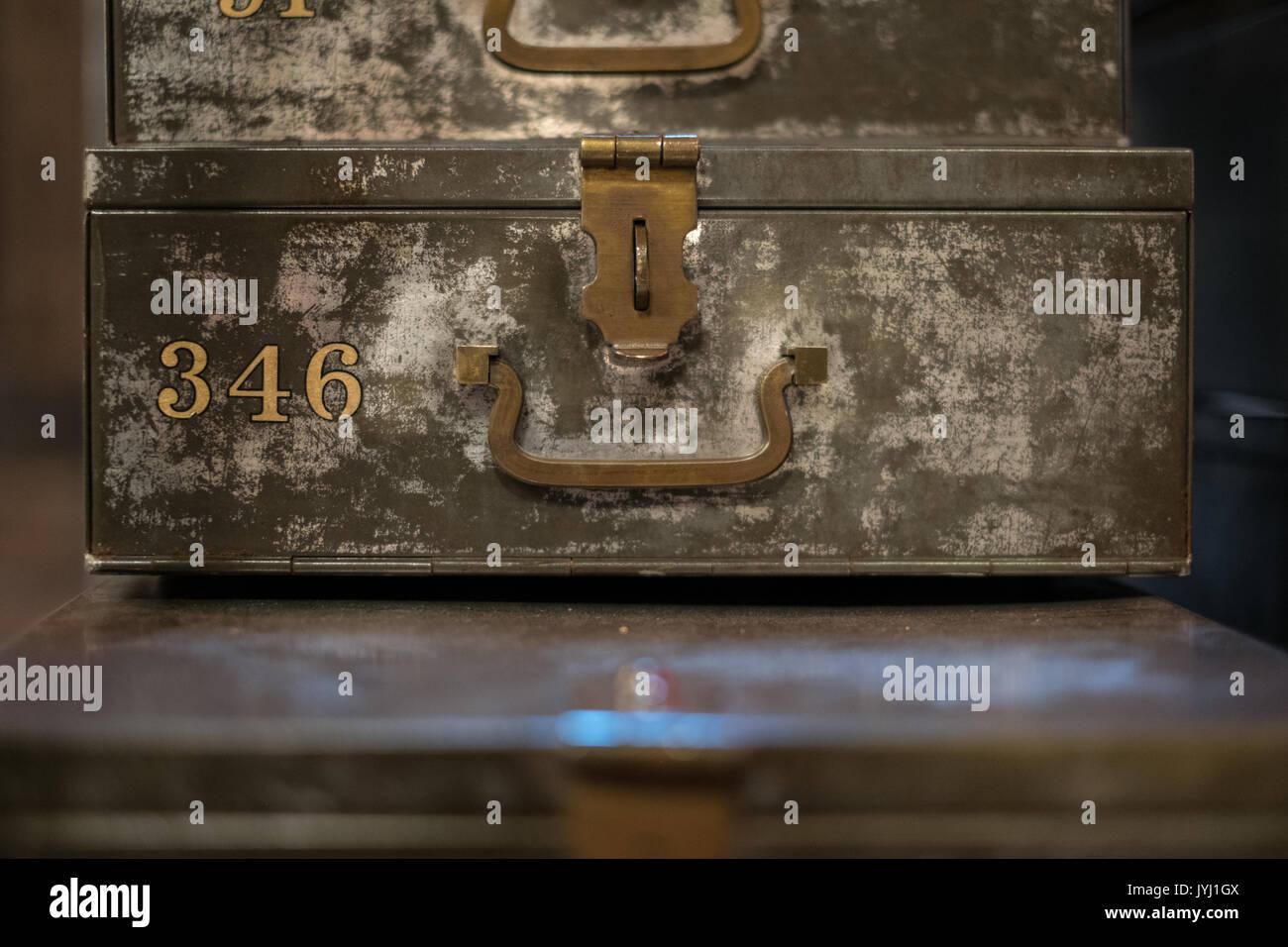 old metal lockbox, vintage money case - deposit box safe - Stock Image