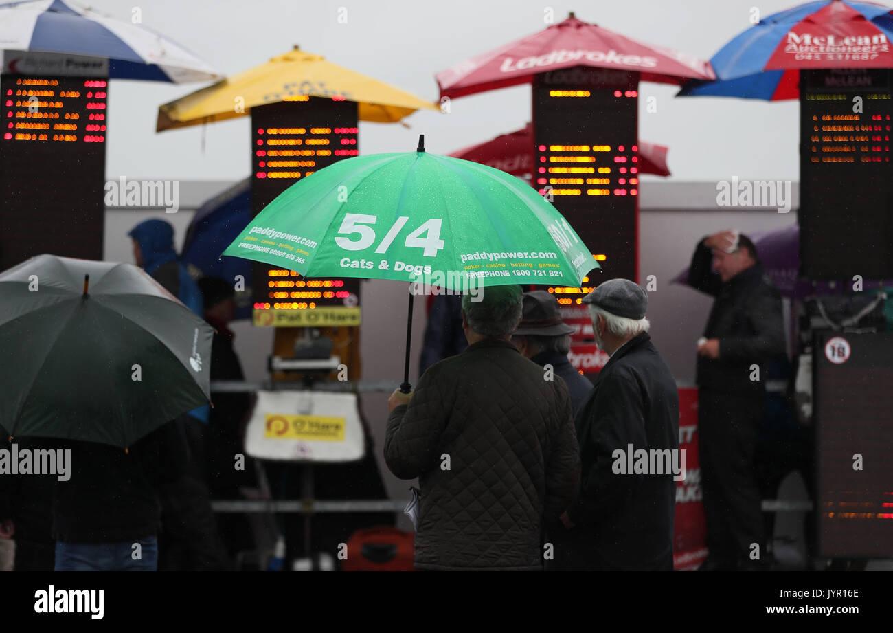 Bookies Racecourse Stock Photos & Bookies Racecourse Stock ...