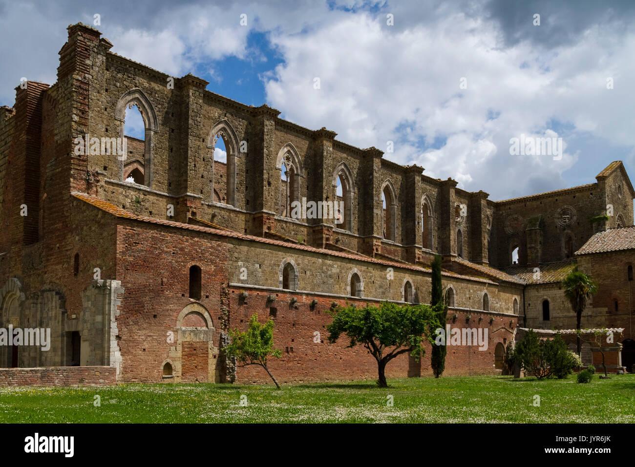 View of the roofless cistercian abbey of San Galgano, near Chiusdino, Siena district, Tuscany, Italy. Stock Photo