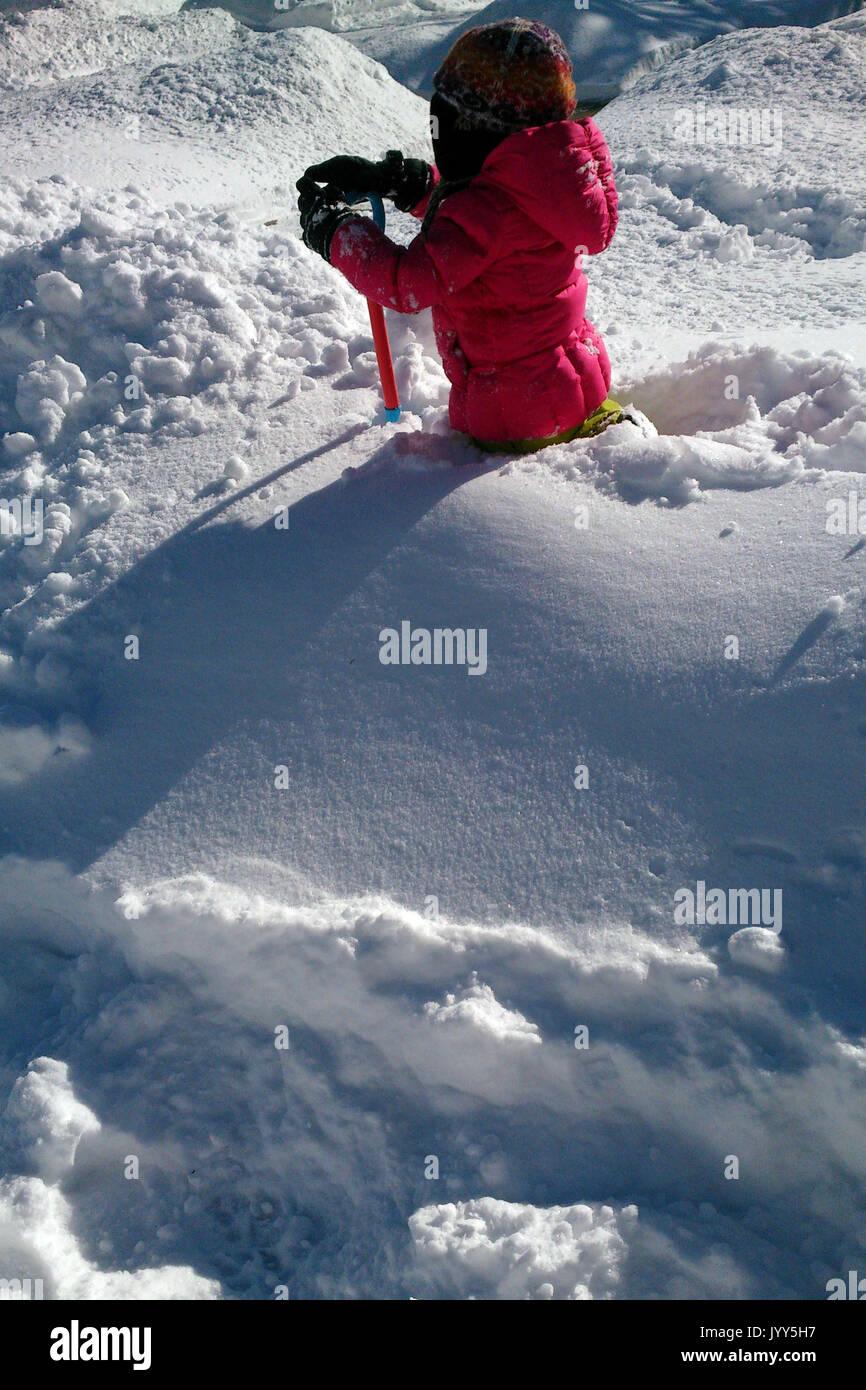 Shovel In Snow Stock Photos Amp Shovel In Snow Stock Images