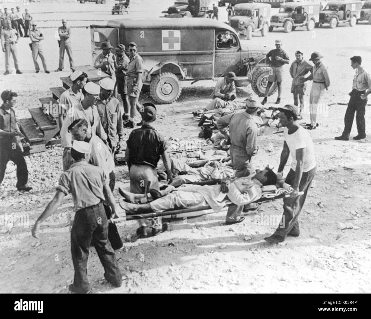 Survivors of the sinking of the USS Indianapolis on Guam, in August 1945. - Stock Image