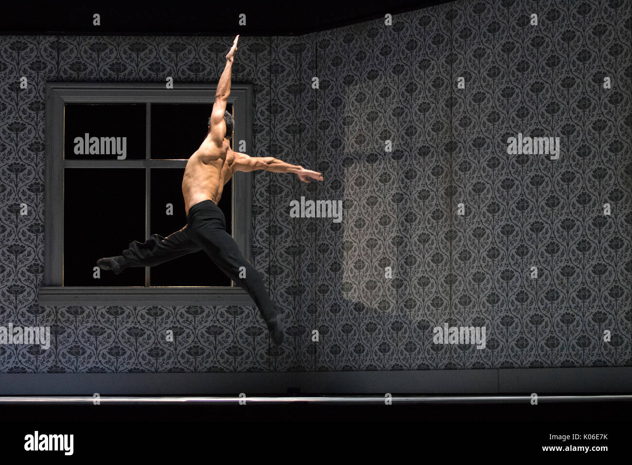 Edinburgh, Scotland, UK. 21st August, 2017. Jorge Nozal of one of the world's finest dance companies, the Nederlands Dans Theater (NDT), perform Paul Lightfoot's and Sol León's Shoot the Moon on the stage at the Edinburgh Playhouse during a dress rehearsal as part of the Edinburgh International Festival (EIF). Founded in 1959, this Dutch company has a long history of acclaimed shows at the EIF. Iain McGuinness / Alamy Live News - Stock Image