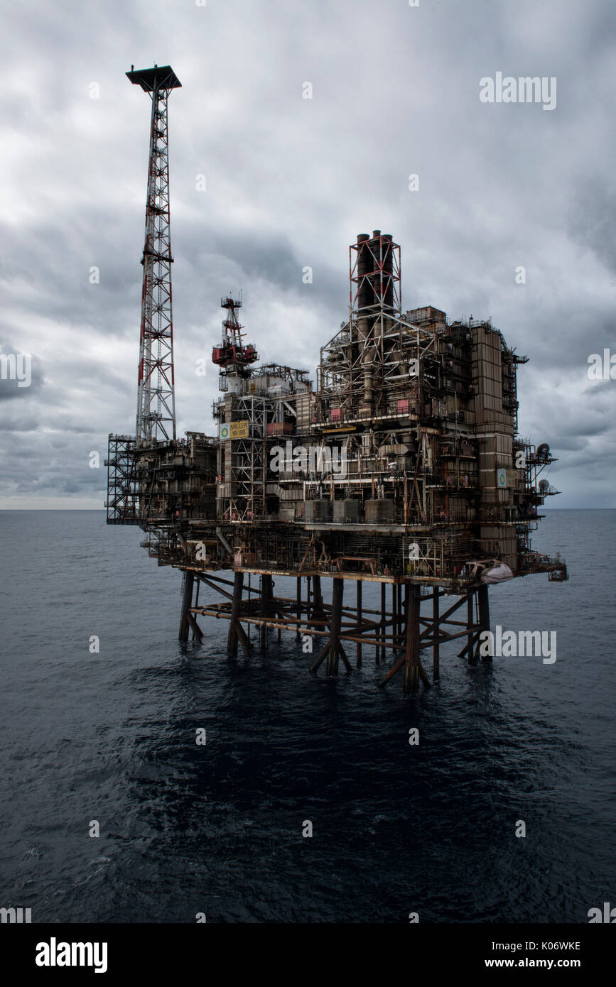 The BP Miller, North Sea oil and gas platform.  credit: LEE RAMSDEN / ALAMY - Stock Image