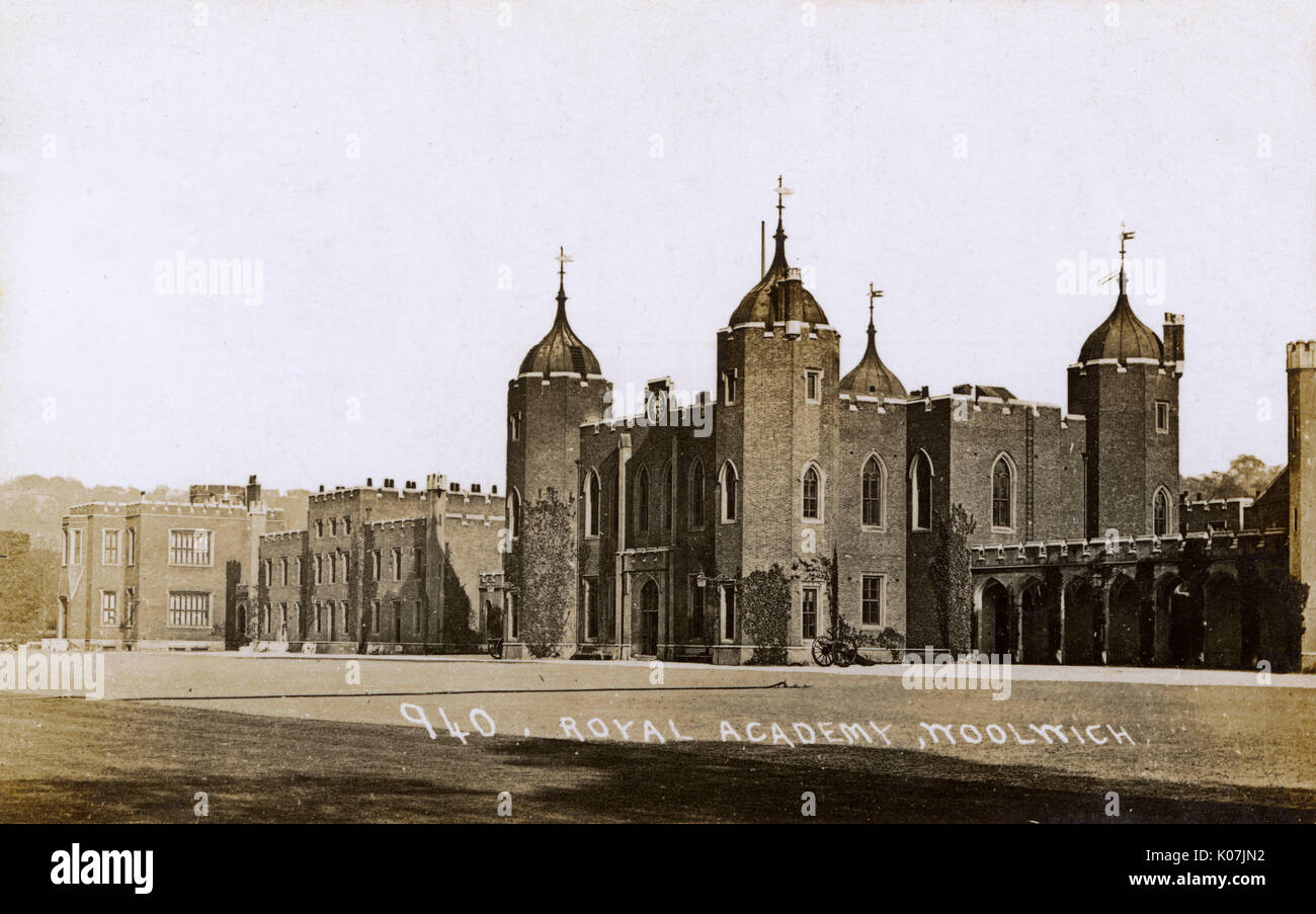 The New Royal Military Academy in Woolwich, London. Built in 1806, and used till 1939. The Old Royal Military Academy also on site was in use from 1741 until the new academy opened.     Date: 1914 - Stock Image