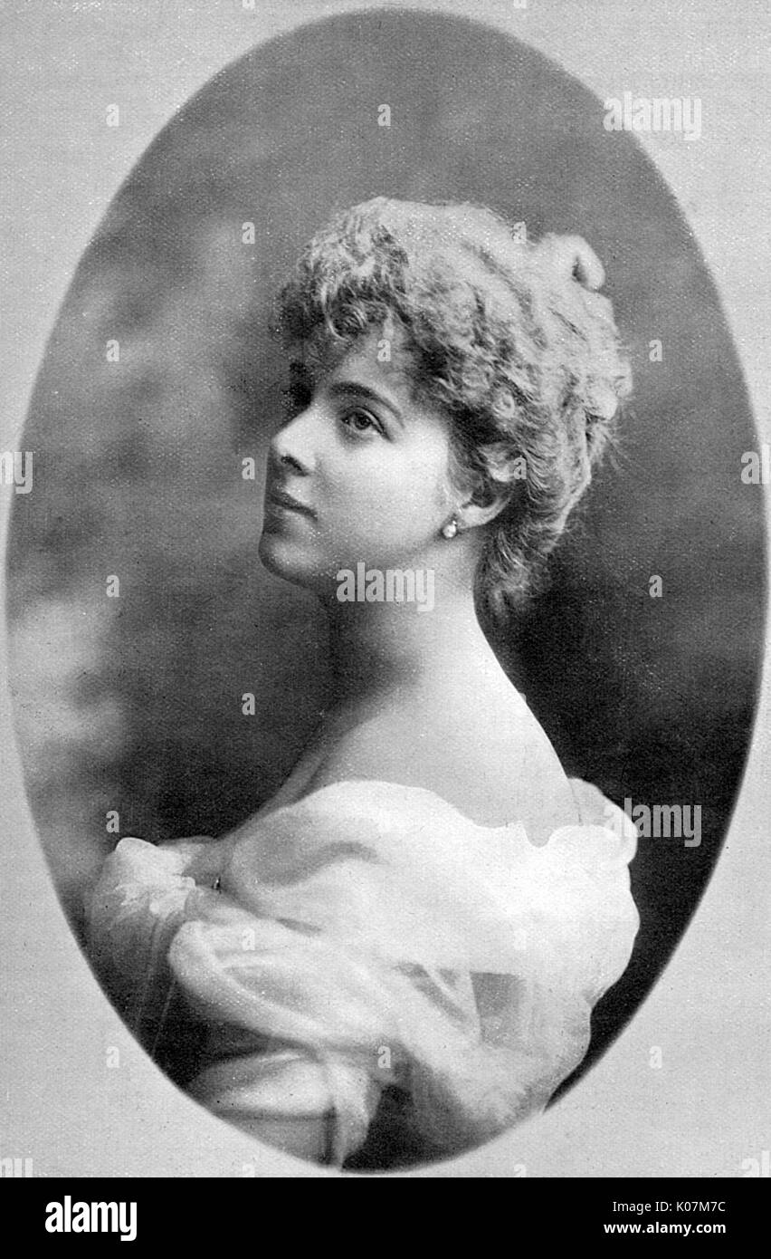Daisy, Princess Henry of Pless (1873 - 1943), formerly Mary Theresa Olivia Cornwallis-West. A great Edwardian society beauty, she married one of Imperial Germany's wealthiest princes in 1891. Her memoirs are an insightful record of the Edwardian era.      Date: 1904 - Stock Image