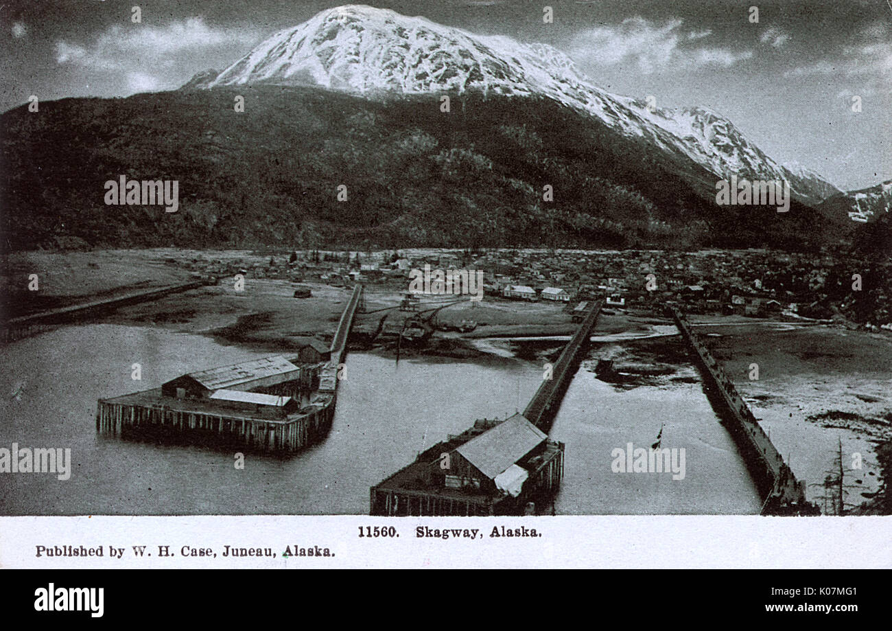 Skagway, Alaska. In 1896, gold was found in the Klondike region of Canada's Yukon Territory. On July 29th, 1897, the steamer Queen docked at Moore's wharf in Skagway with the first boat load of prospectors. Very quickly, the population of the general area had reached 30,000, composed largely of American prospectors, leading to lawlessness, described by one member of the North-West Mounted Police as ';little better than a hell on earth.';     Date: 1909 - Stock Image