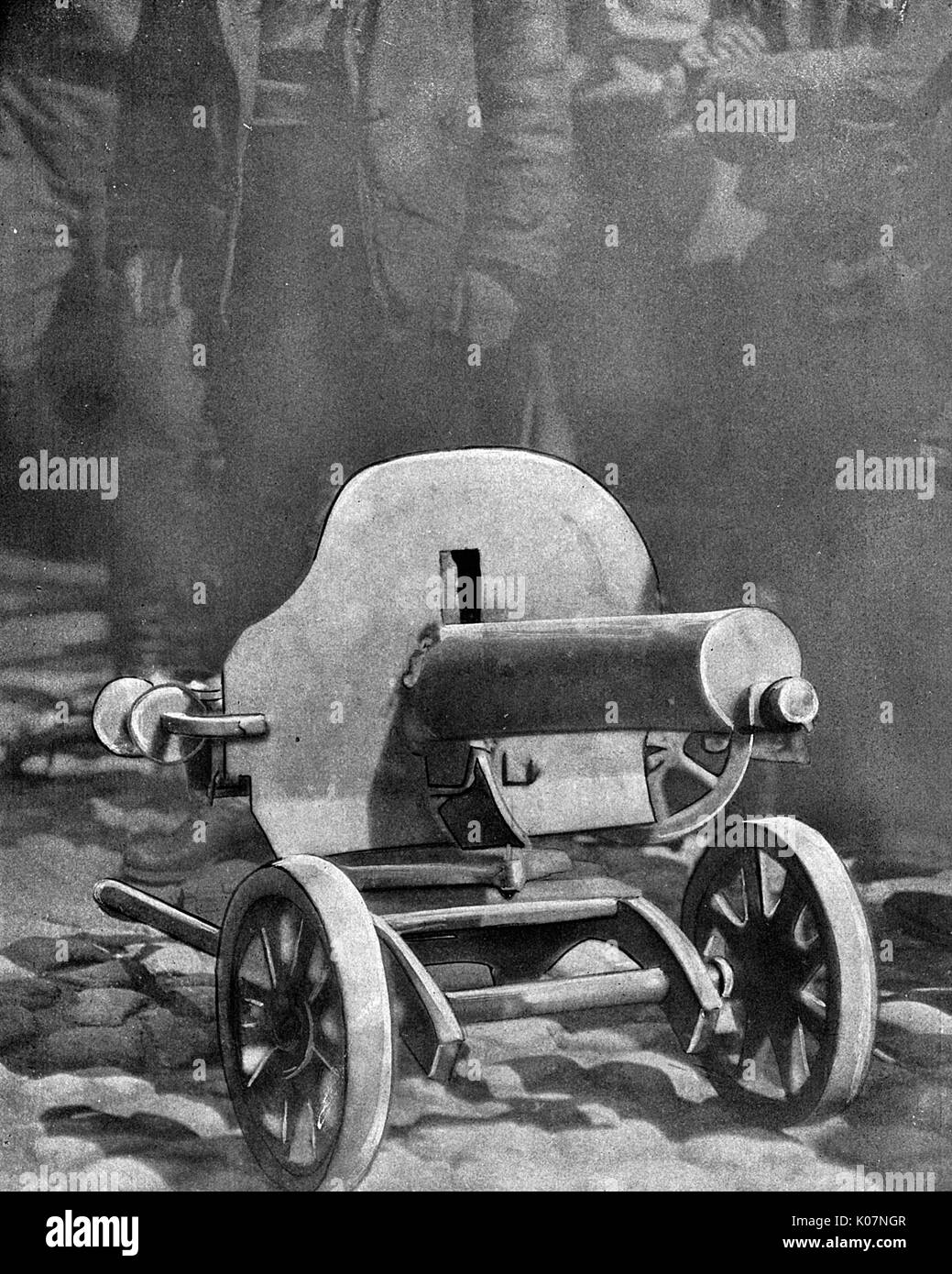 Machine gun mounted on wheels, used by the Bolsheviks during the Revolutionary period in Russia.      Date: circa 1917 - Stock Image