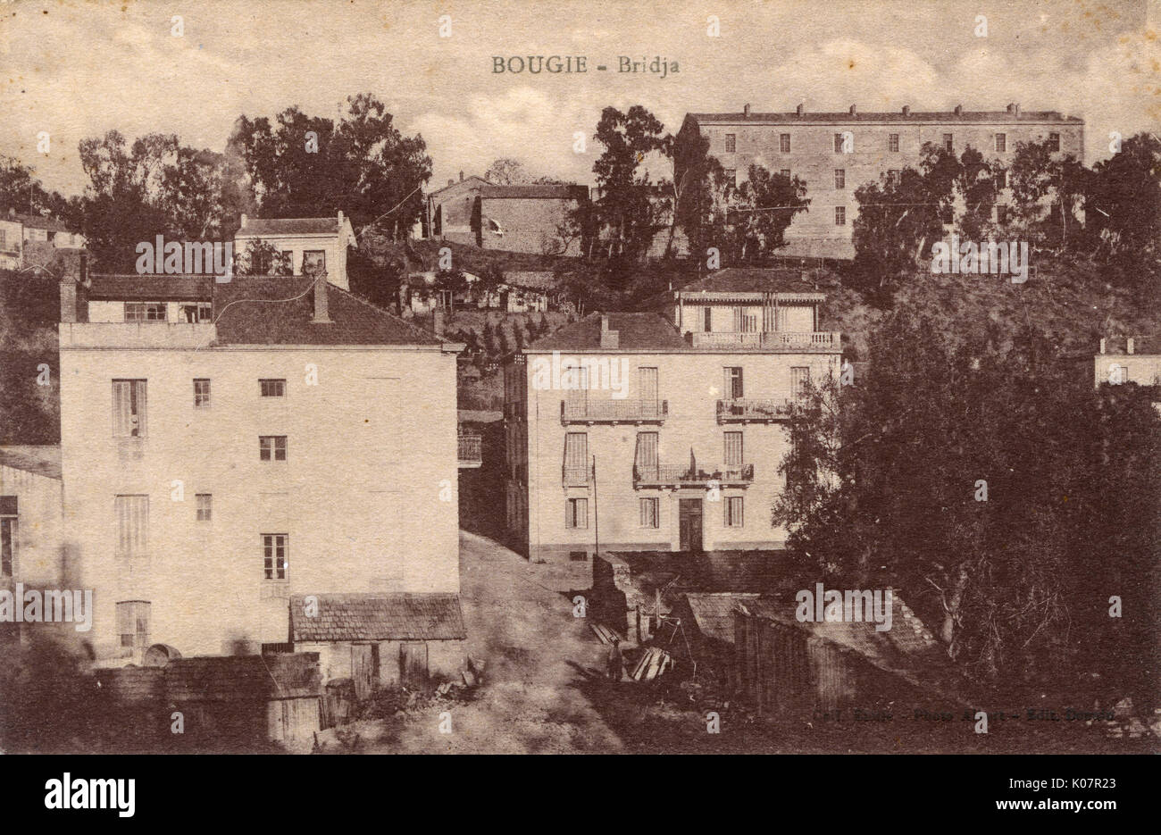 General view of Bridja, Bougie (Bugia, Bejaia), Algeria, North Africa, with hillside mansions and other buildings.      Date: circa 1910 - Stock Image