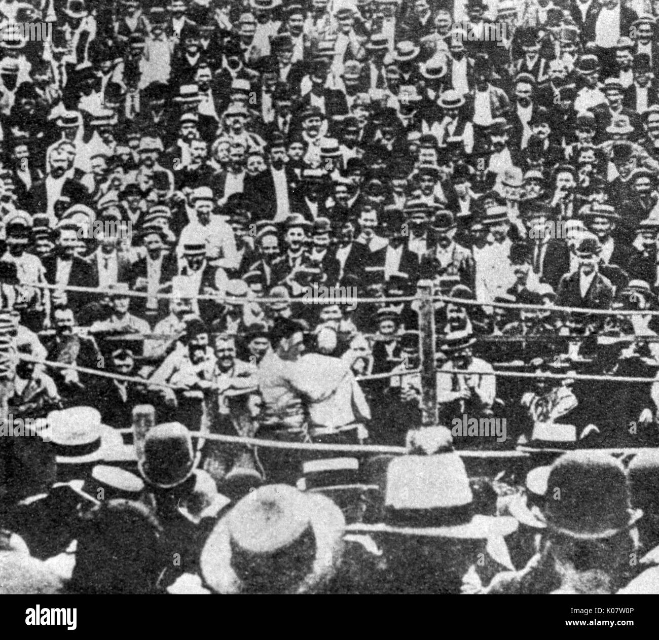 Boxing match which lasted a record 75 rounds, between John L Sullivan (1858-1918), nicknamed the Boston Strongboy, Stock Photo