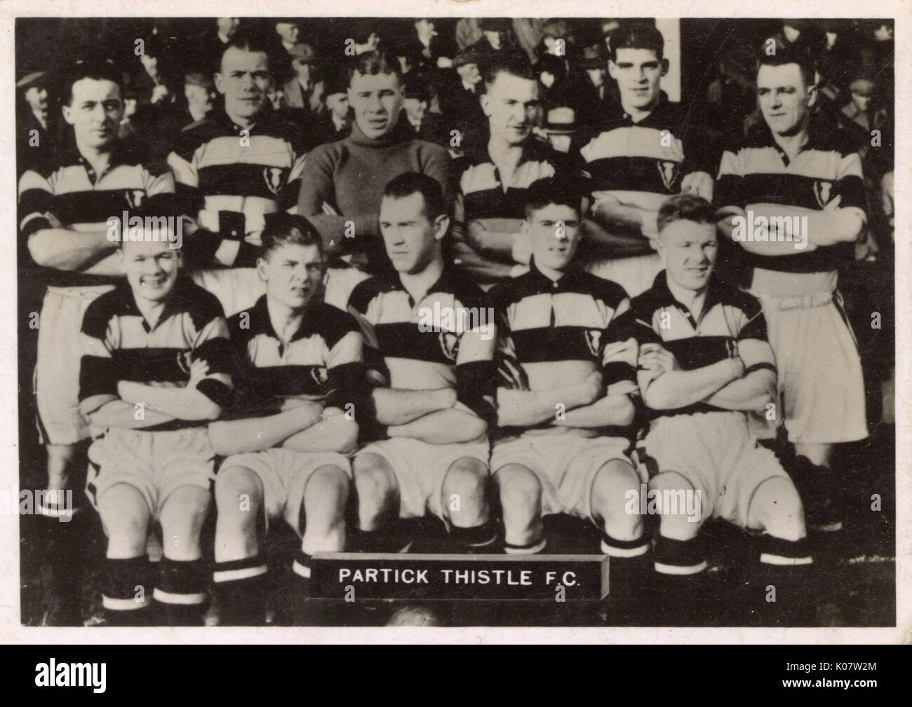 Partick Thistle FC football team 1936. Back row: Calderwood (Captain), Cummings, Johnstone, Elliot, Sutherland, M'Leod. Front row: Regan, M'Kennan, Wylie, Hastie, M'Lennan.     Date: 1936 - Stock Image