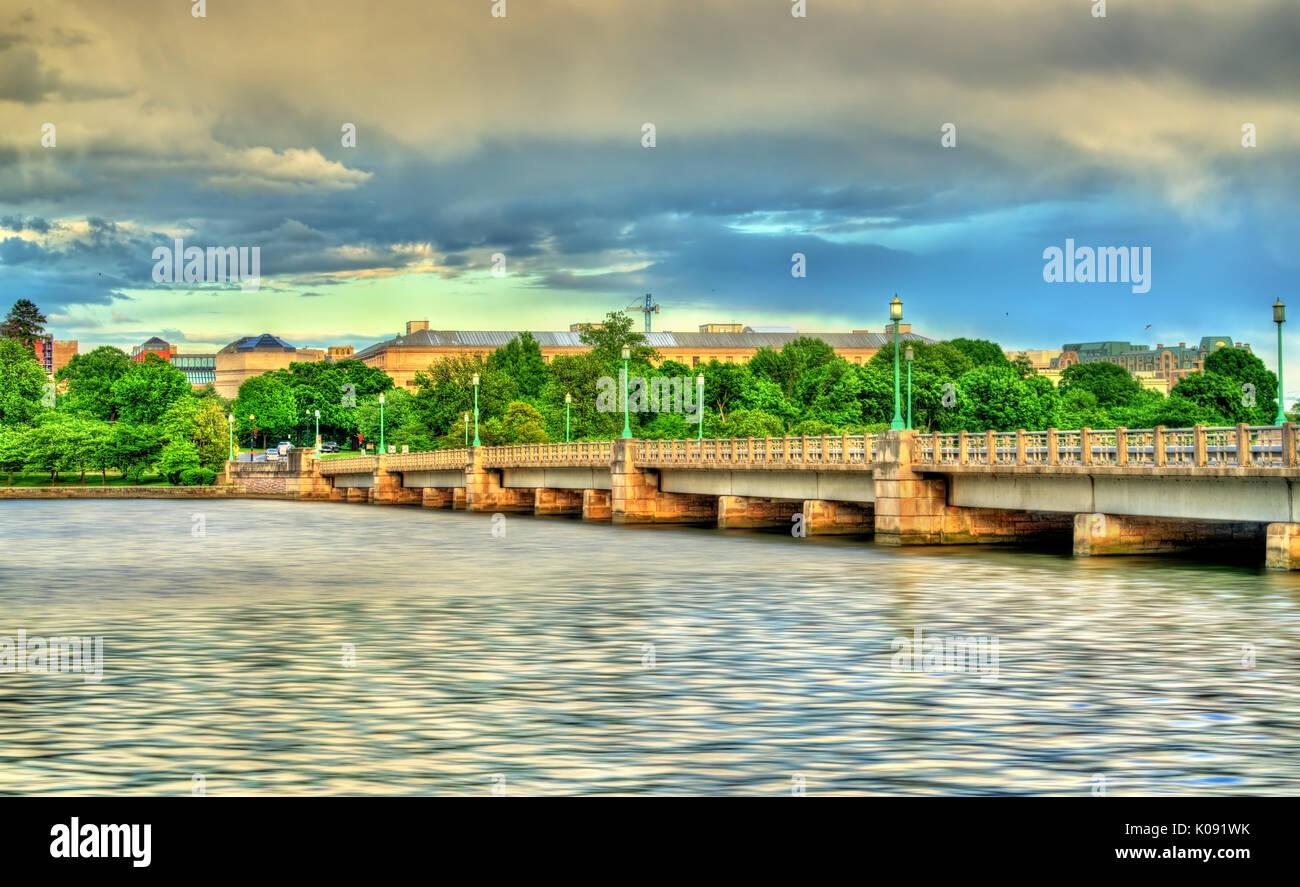 The Kutz Memorial Bridge across the Tidal Basin in Washington, D.C. - Stock Image