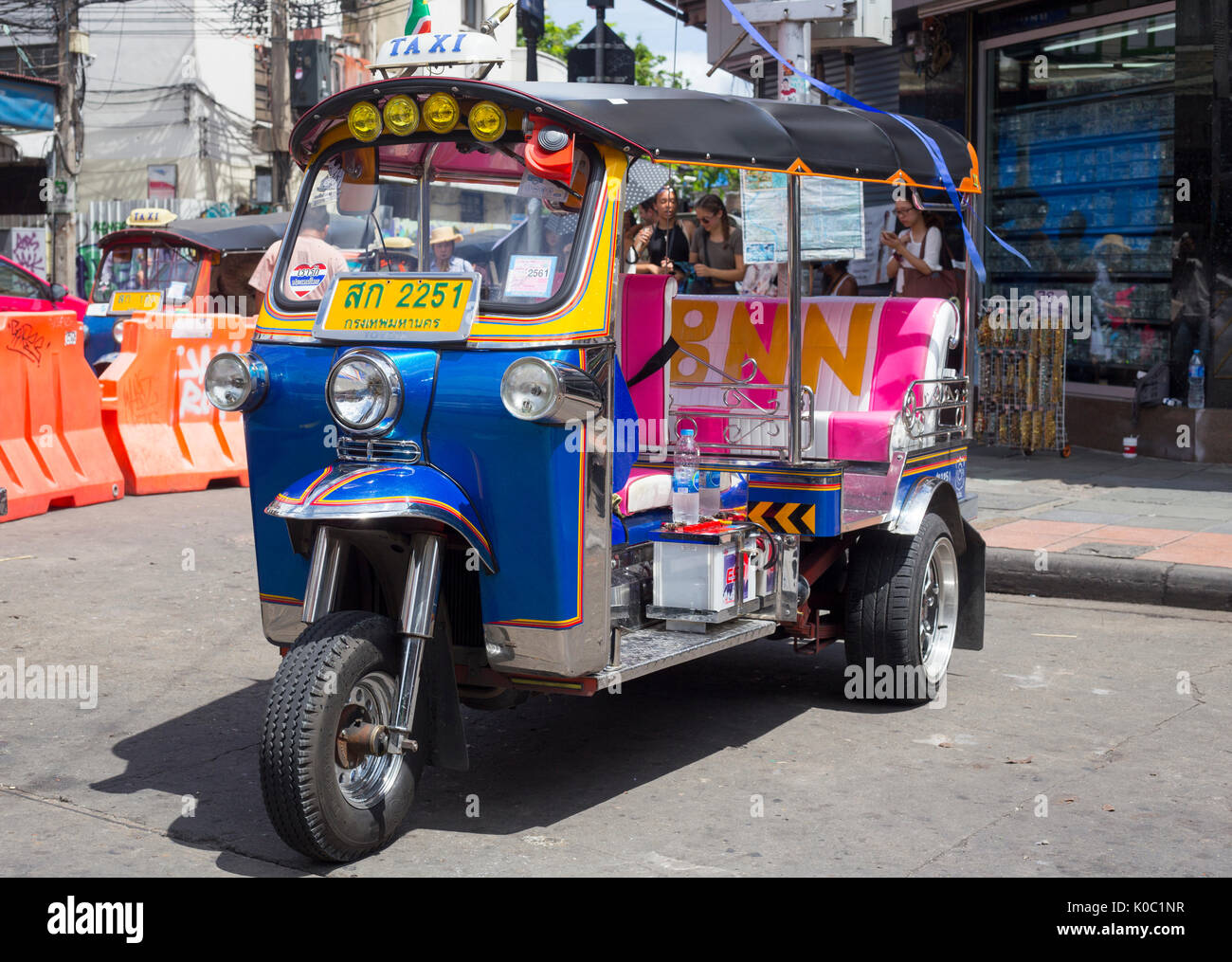 Tuk Tuk on Khao San Road, Bangkok - Stock Image