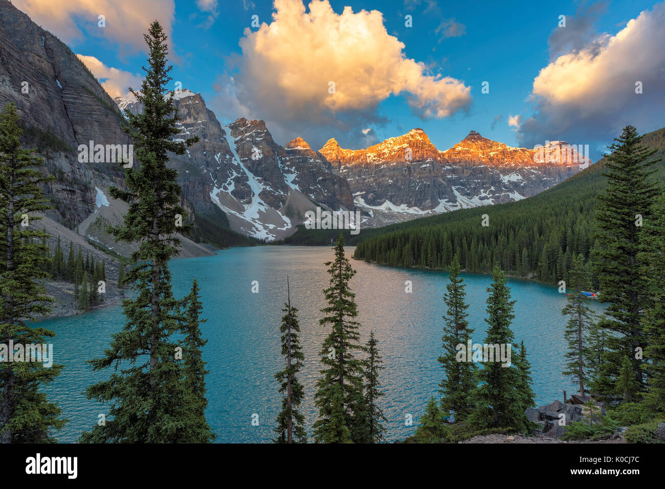 Banff national park, Sunrise at Moraine lake - Stock Image