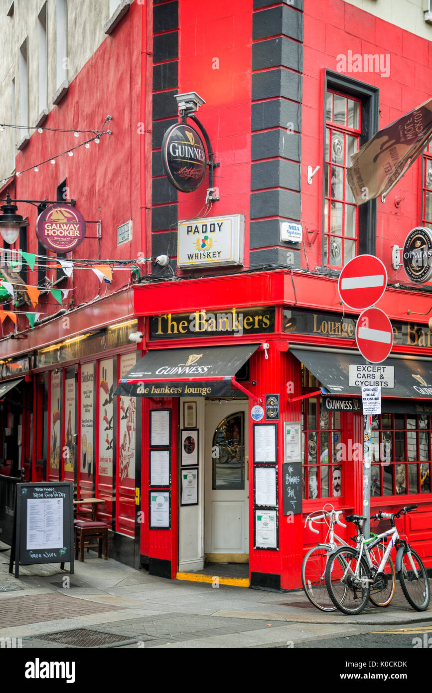 DUBLIN, IRELAND - AUGUST 13: The Bankers, a traditional pub near Temple bar, in Dublin, Ireland - Stock Image