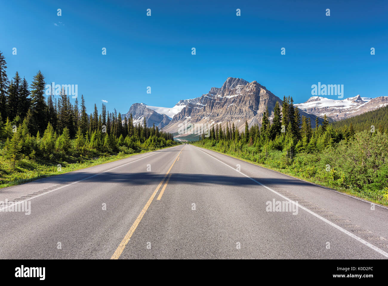 Beautiful Highway through Canadian Rockies in Banff National Park - Stock Image
